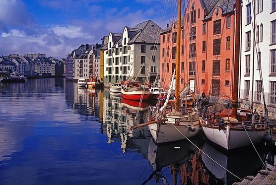 туры по Норвегии в Олесунн