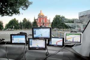Выбор водителя: gps-навигатор vs смартфон
