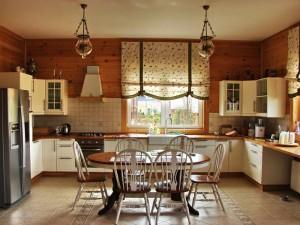 Как выбрать кухонные шторы