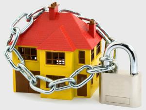 Как обеспечить безопасность Вашего дома на время отпуска: 9 советов