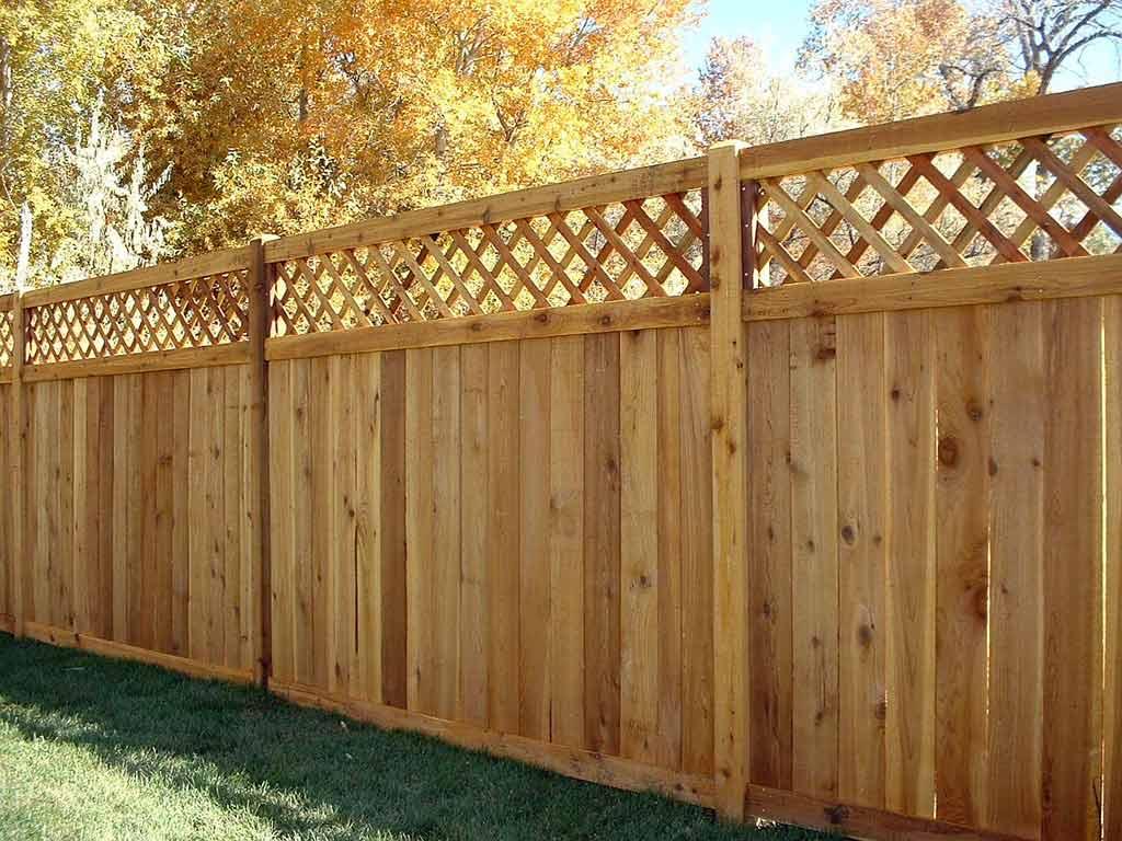 Деревянные заборы и ограждения - современно и надежно