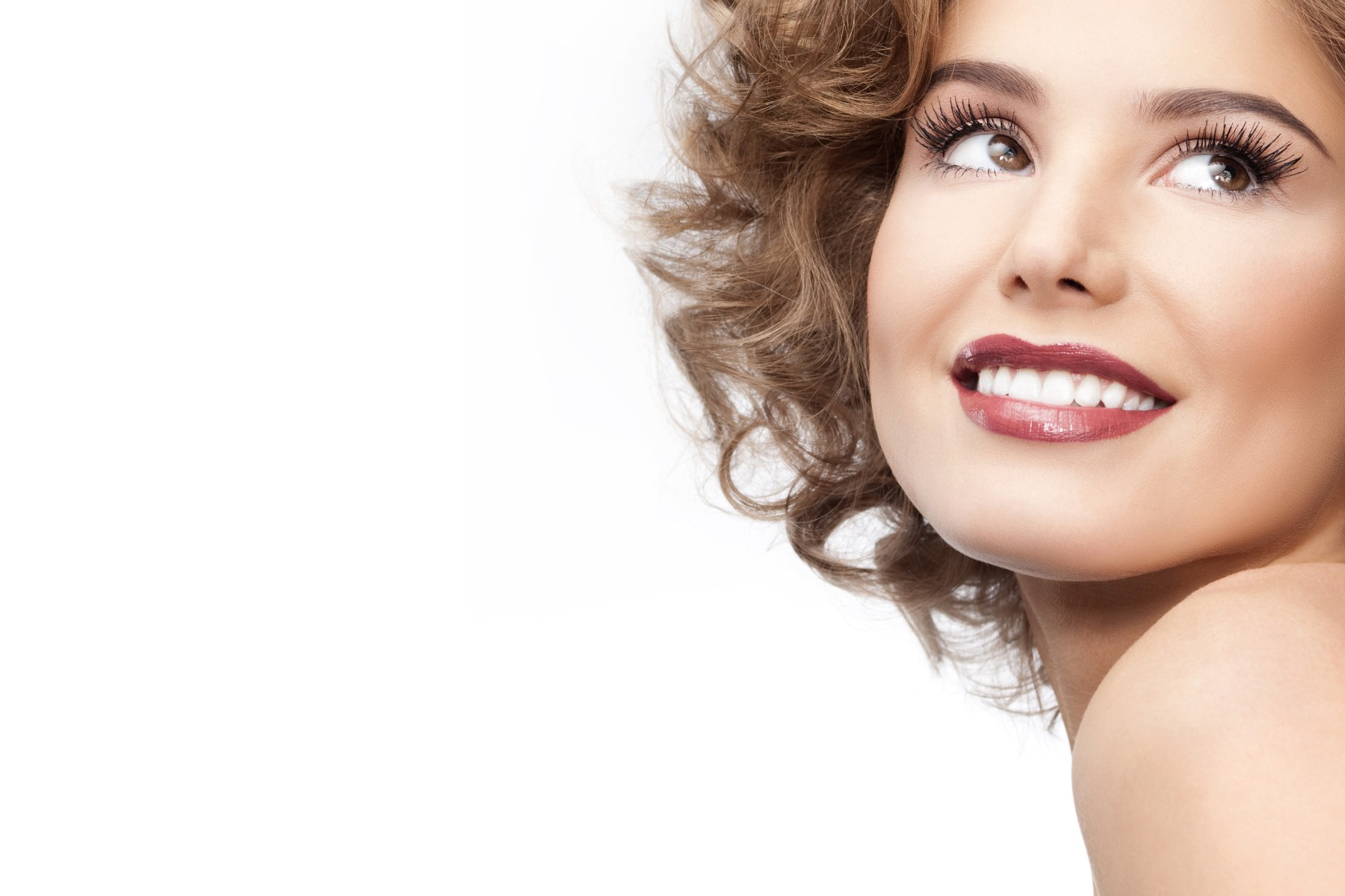 Можно ли восстановить зуб так, чтобы он ничем не отличался от настоящего?