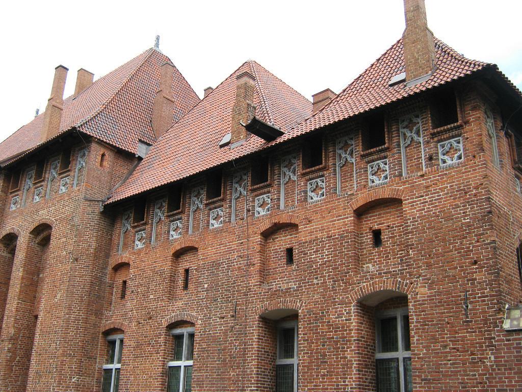 Достопримечательности Польши: Мальборк и Бискупин