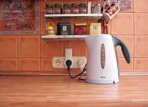 Как удалить накипь, образовавшуюся на стенках чайника