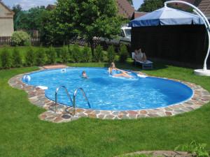 Способы обустройства бассейна в загородном доме