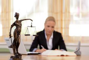 Почему следует обращаться в юридическую компанию