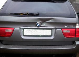 Зачем нужен кузовной ремонт BMW X5 в профессиональном автосервисе?