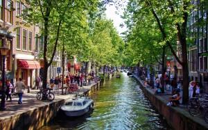 Амстердам - город разнообразных развлечений