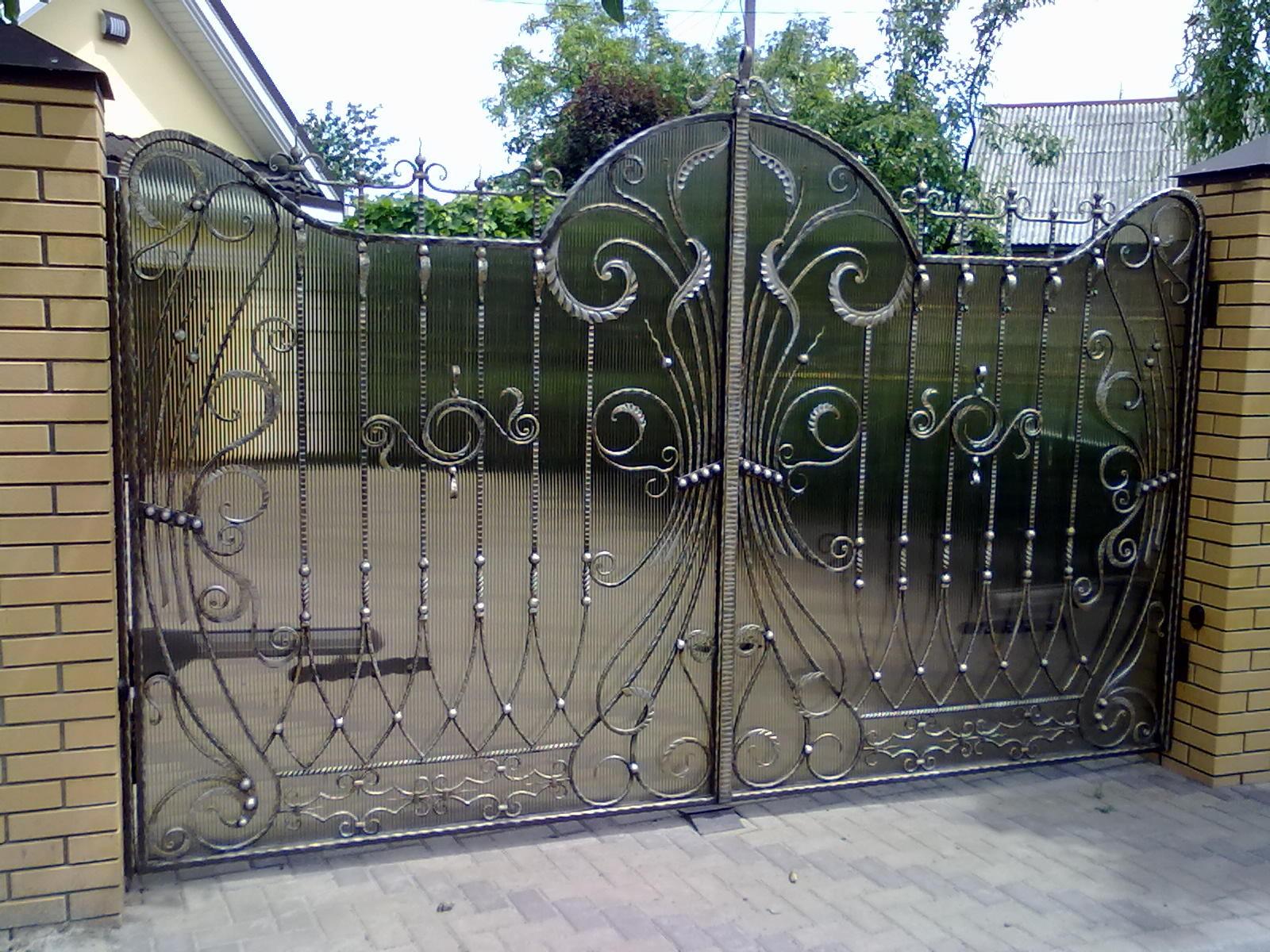 Ворота - визитная карточка загородного дома