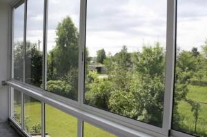 Балконное остекление на практике