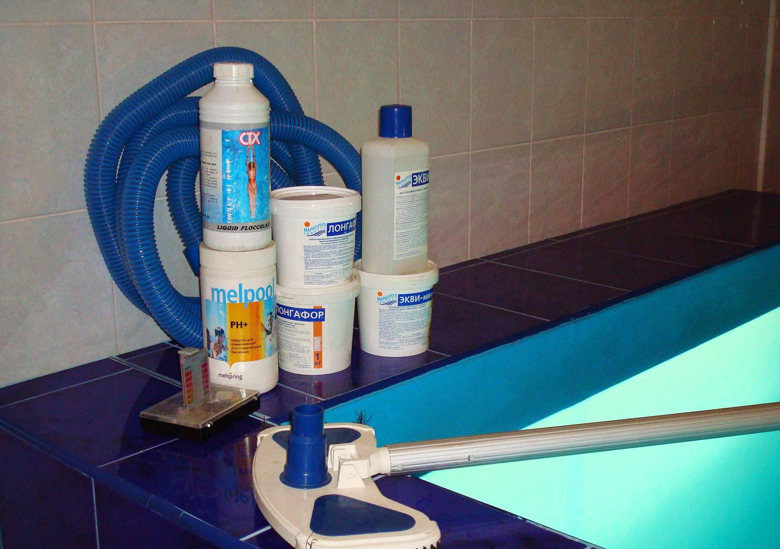 Как грамотно организовать обслуживание бассейна