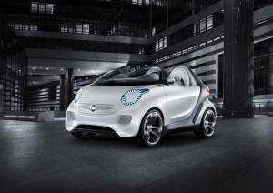 Компактный автомобиль Смарт на запчастях Daimler-Benz и идеях Swatch