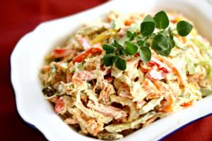Салат с куриной грудкой «Рябиновые ветки»