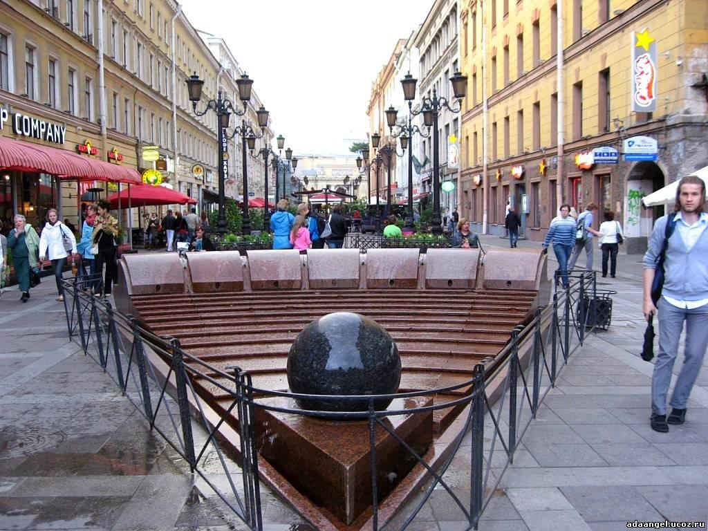 Скульптуры Санкт-Петербурга: улица Малая Садовая