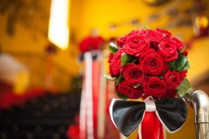 Доставка цветов в Санкт-Петербурге курьерской службой