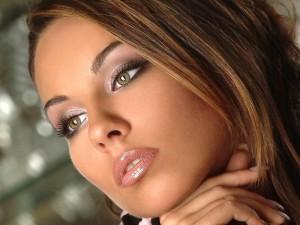 Как обрести идеальные губы без помощи пластического хирурга?