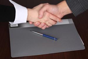 Как оформляется прием на работу генерального директора ООО?