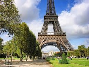 Какие достопримечательности можно посмотреть в Париже?
