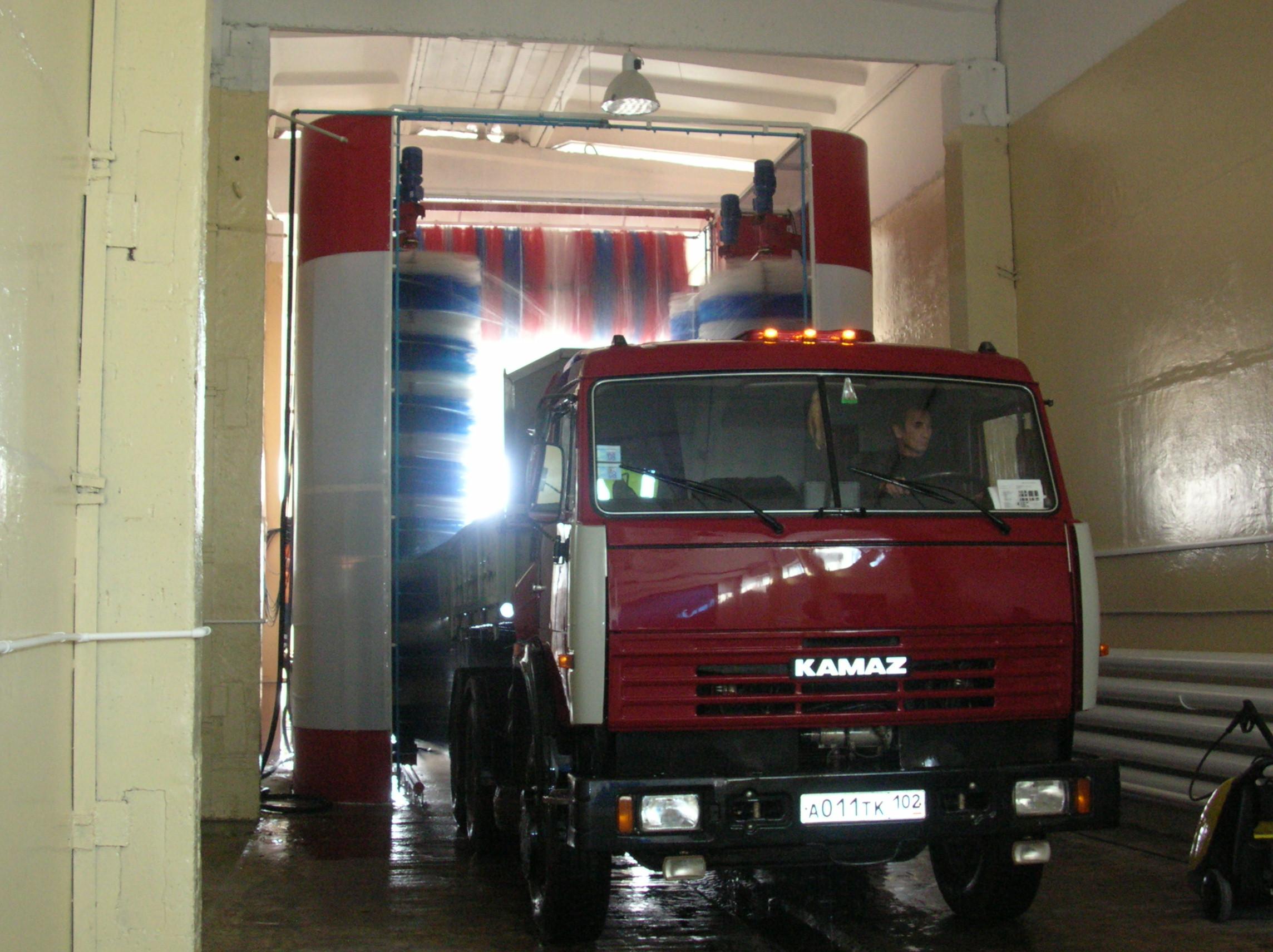 Помощь моечного оборудования в уходе за грузовыми автомобилями