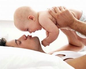Во что играть с новорожденным?