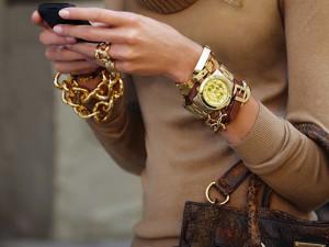 Часы модный аксессуар – хороший подарок