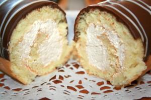 Рулет бисквитный с шоколадным кремом на 23 февраля