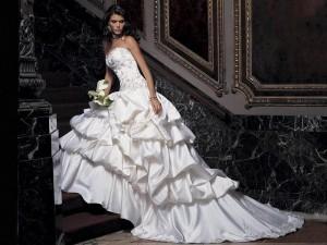 Свадебные платья напрокат. Удобно ли это?