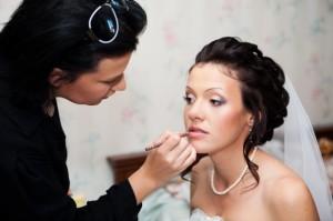 Свадебный стилист: за и против