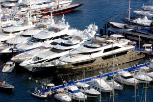 Чем яхта отличается от катера?