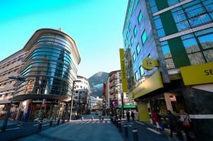 Экскурсии в Испанию и шоппинг в Андорре