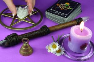 Как выбрать хорошего мага, астролога и экстрасенса