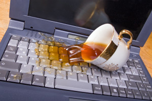 Не делите кружку кофе с ноутбуком