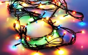 Новогодние украшения перед праздниками