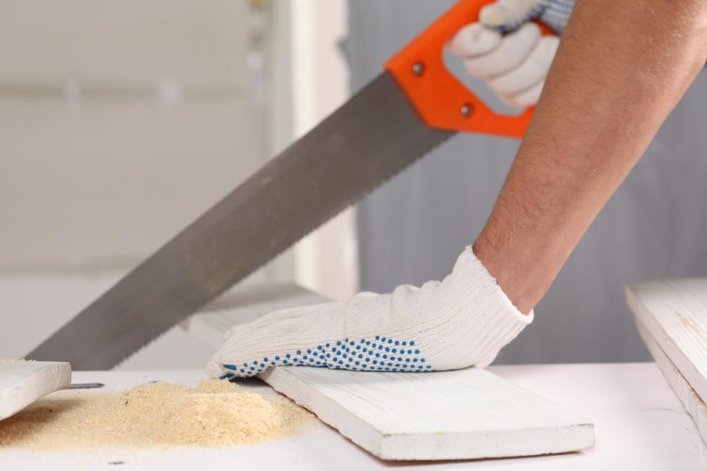 Рабочие перчатки на производстве