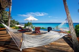 Великолепное островное государство Фиджи российские путешественники посещают пока не слишком часто, поскольку многие из них, узнав о стоимости путевок туда, отказываются от планов отправиться в этот «райский уголок» нашей планеты.