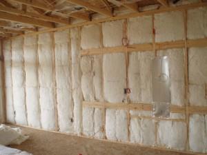 Утепляем стены каркасного дома