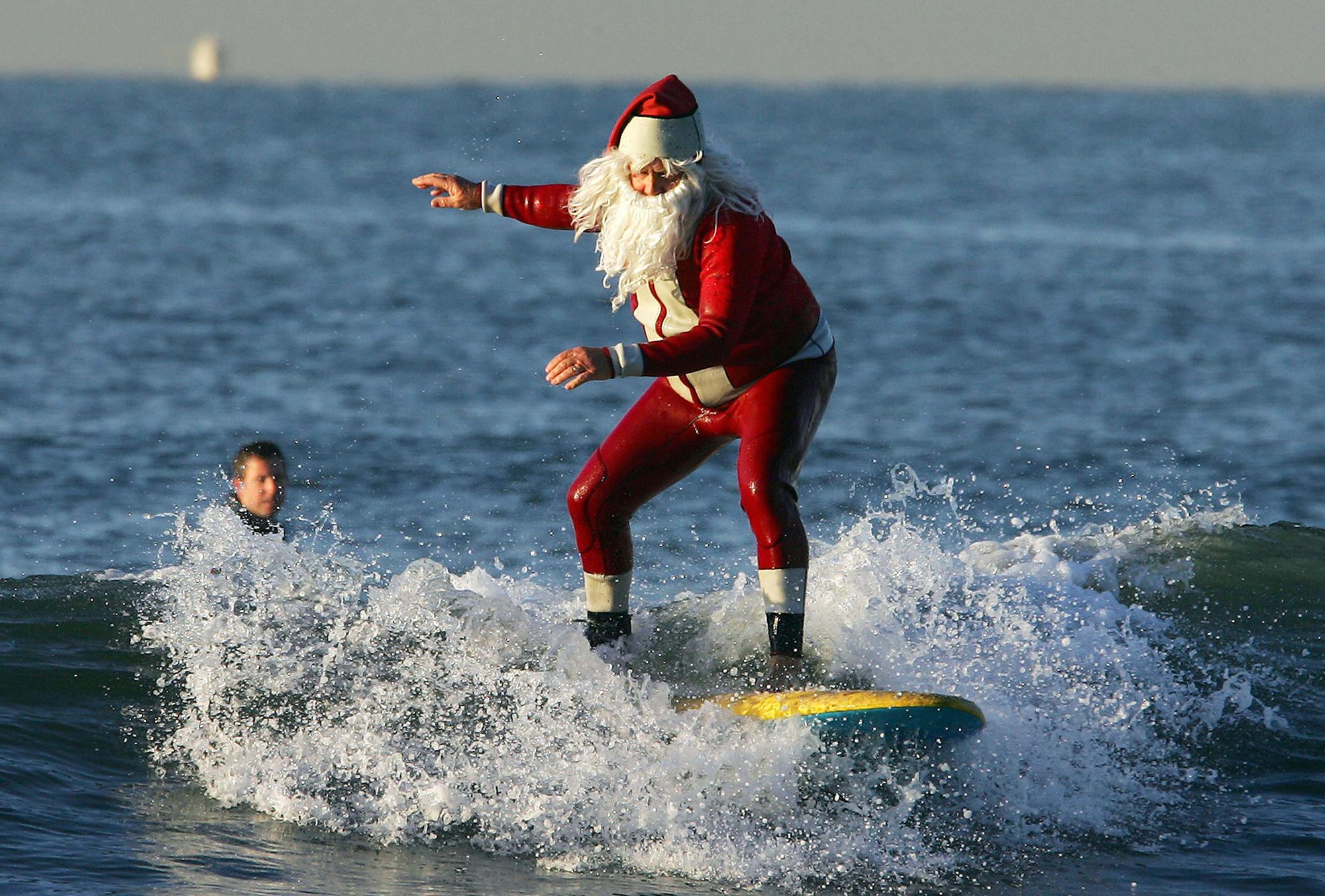 Самые странные новогодние обряды и традиции в разных странах