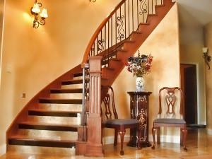 Безопасность и удобство лестницы