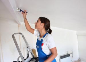 Подготовка помещения к покраске потолка