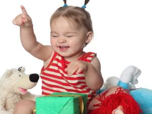 Стоит ли часто поощрять ребенка подарками