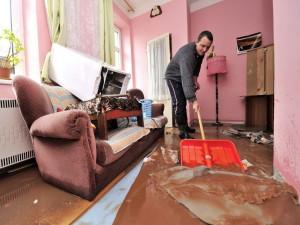 Квартирный затоп: что делать пострадавшей стороне при аварии?
