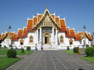 Мраморный храм Ват Бенчамабопхит