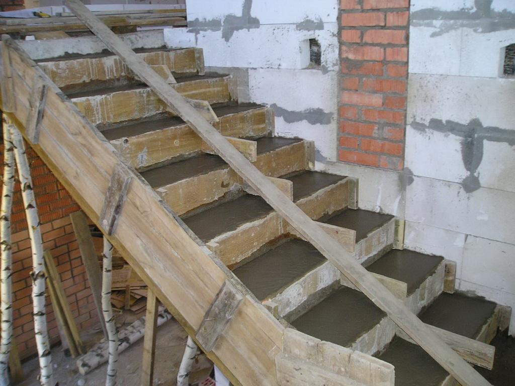 заливка ступеней бетоном цена работы