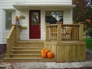 Как сделать деревянное крыльцо для дома?