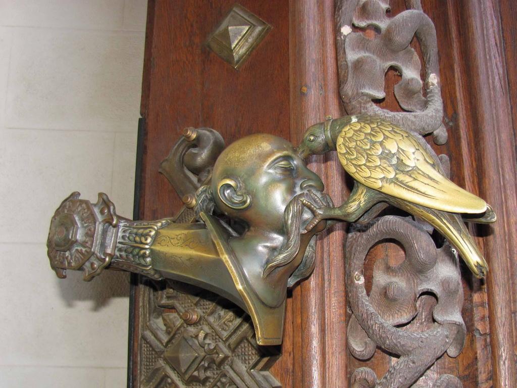 Как сохранить античную дверную ручку и поддерживать ее в чистоте