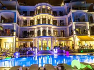 http://atlantis-hotel.com.ua/