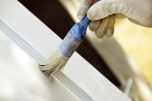 Как покрасить деревянную дверь?