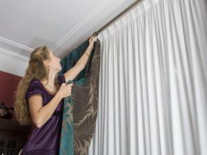 Как хорошо повесить шторы?