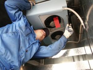 Какое необходимо давление в газовой магистрали во время работы бытовой сплит-системы при охлаждении?