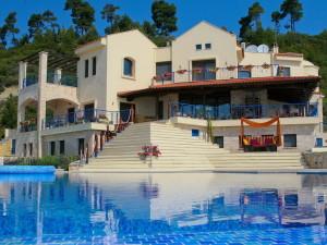 Перспективы вложения в строительство недвижимости и гостиничный бизнес в Греции